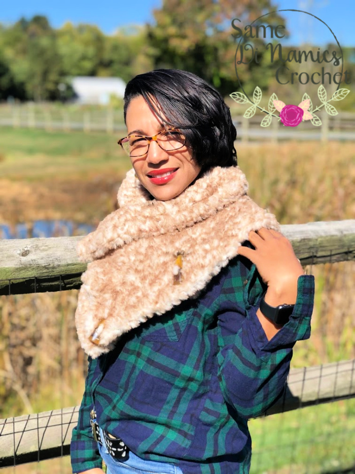 Free Crochet Pattern Buttoned Faux Fur Cowl Same DiNamics Crochet